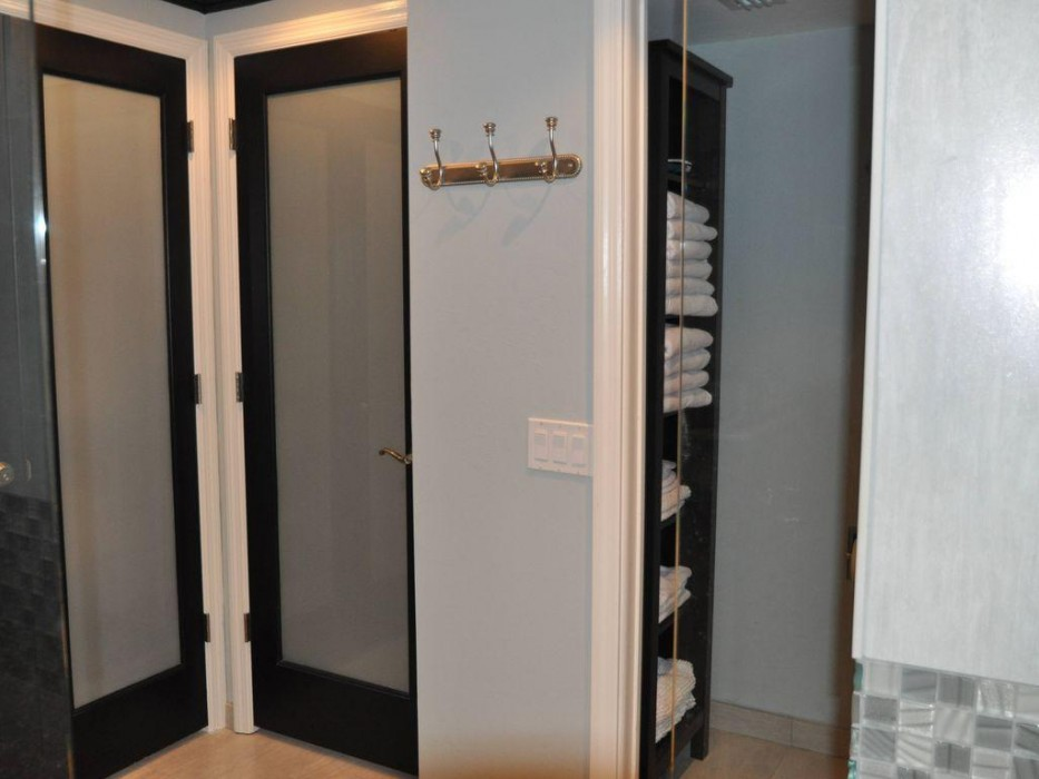 Separate water closet