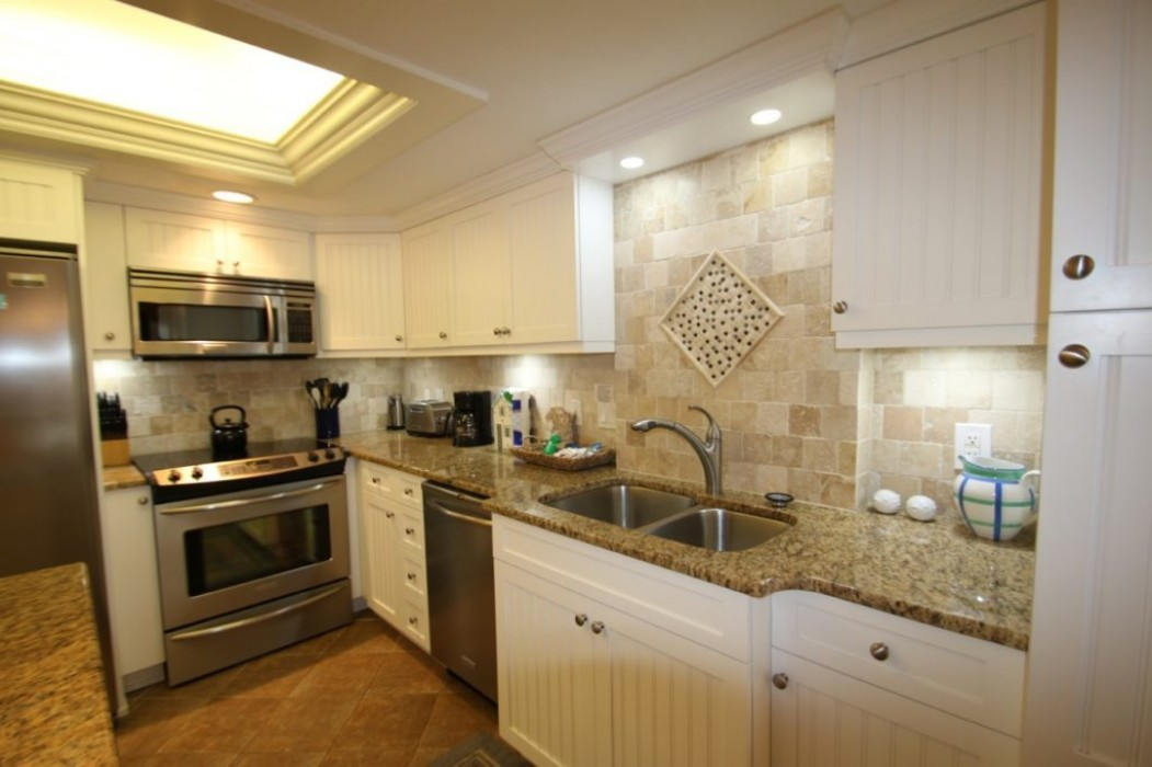 LARGE, WELL EQUIPPED KITCHEN, NEW WHITE CUSTOM CABINETS!