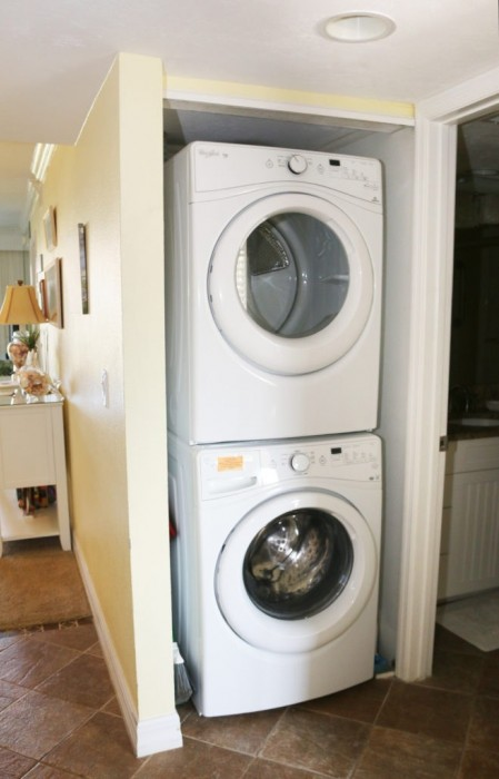 FULL SIZED WASHER AND DRYER IN UNIT!