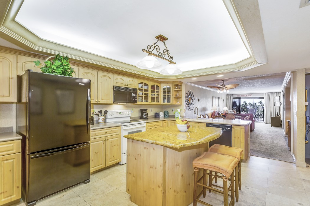 Outstanding fully equipped kitchen with granite countertops