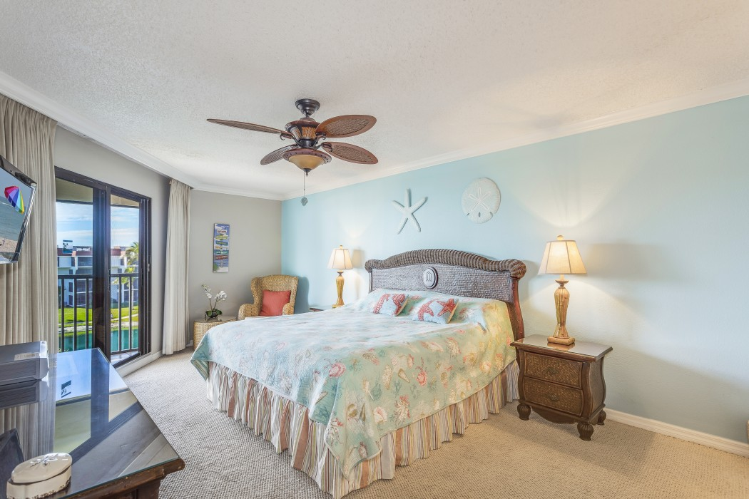 Beautifully decorated master suite with ocean views