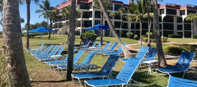 Amenities cropped Pix 081119 beach Chairs3
